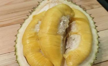 Trustworthy Durian Stall !